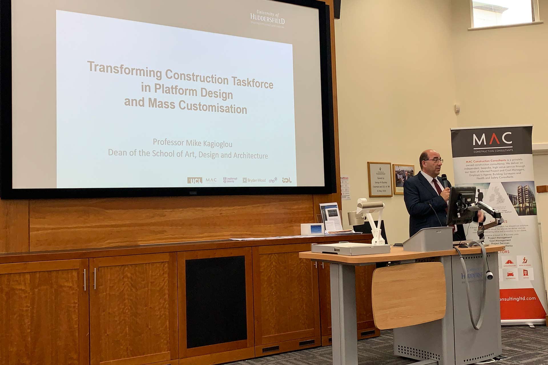 Prof Mike Kagioglou presenting at the first Transforming Construction Taskforce workshop